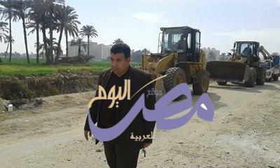 رفع 70 طن مخلفات وقمامة بمدخل قرية منقريش بمحافظة بني سويف |