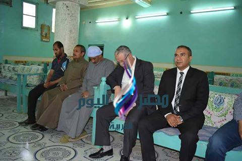 محافظ المنيا يقدم واجب العزاء لأسرة شهيد سيناء بمركز ابوقرقاص|مصر اليوم العربية |