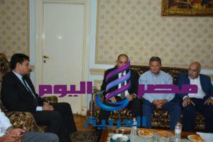 وزير قطاع الأعمال ومحافظ الغربية يتفقدا شركة مصر للغزل والنسيج بالمحلة الكبرى لمناقشة مخططات التطوير