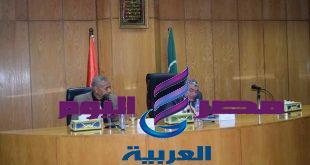 محافظ المنيا يجتمع بالمديربن للانتهاء من المشروعات فى المحافظة