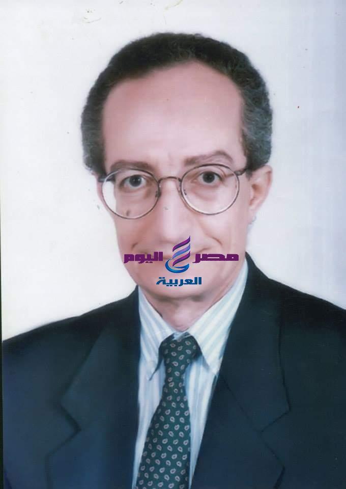 زاهي حواس ينعي علي رضوان فقدنا واحد من أهم علماء المصريات في العالم | ينعي