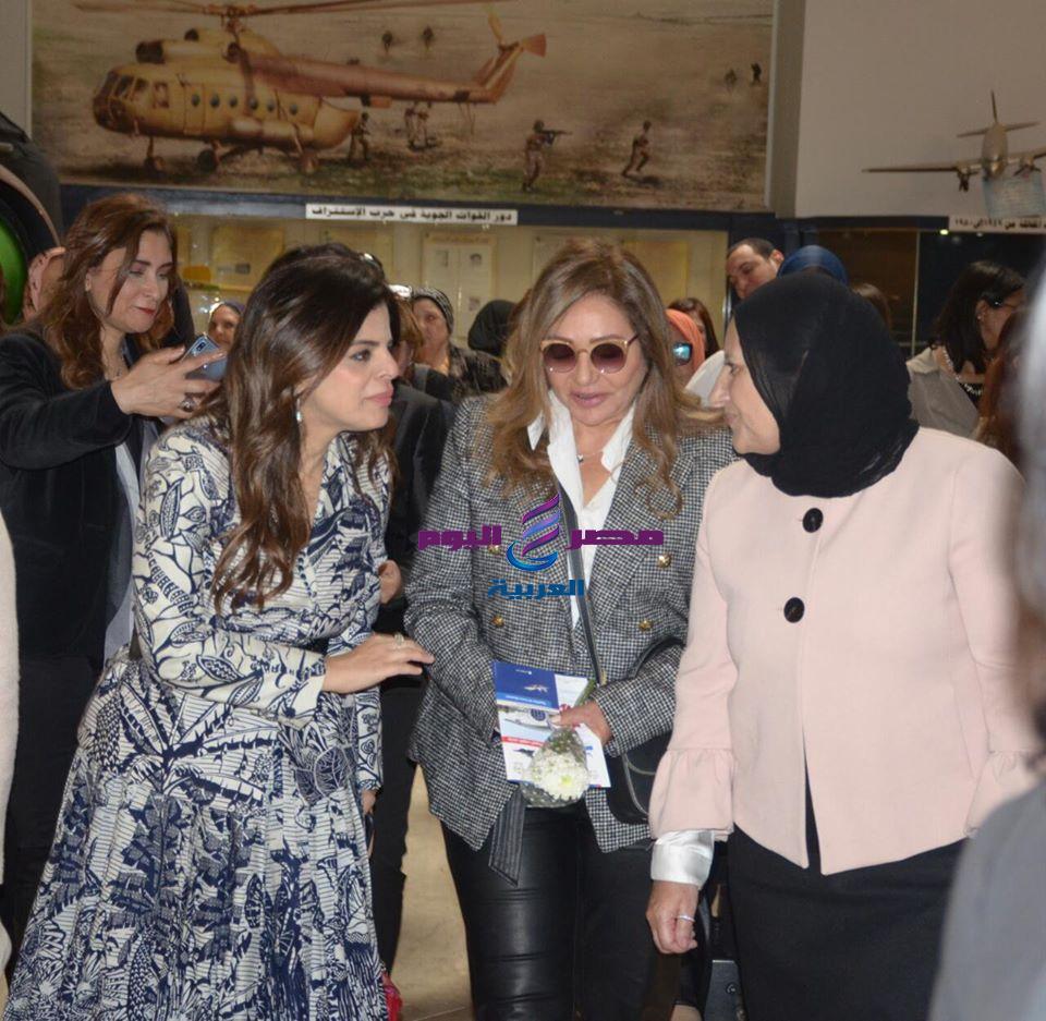 ليلي علوي تحتفل بيوم المرأة العالمي | تحتفل