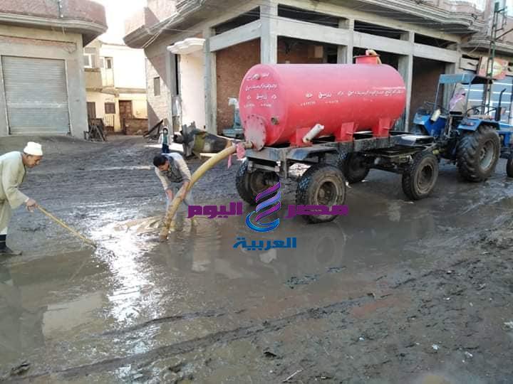 استمرار رفع مخلفات مياه الامطار بمركز ومدينة دسوق | مياه الامطار