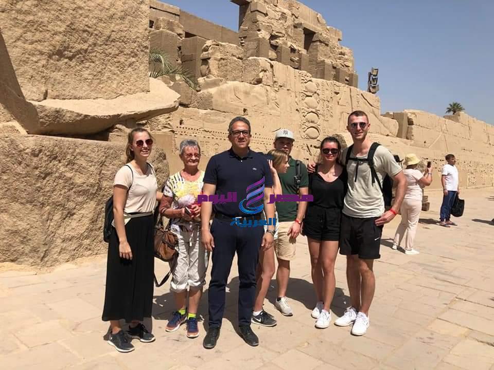 وزير السياحةوالأثار ووزيرة الصحة ووزير الطيران المدني في زيارة لمعبد الأقصر | السياحة
