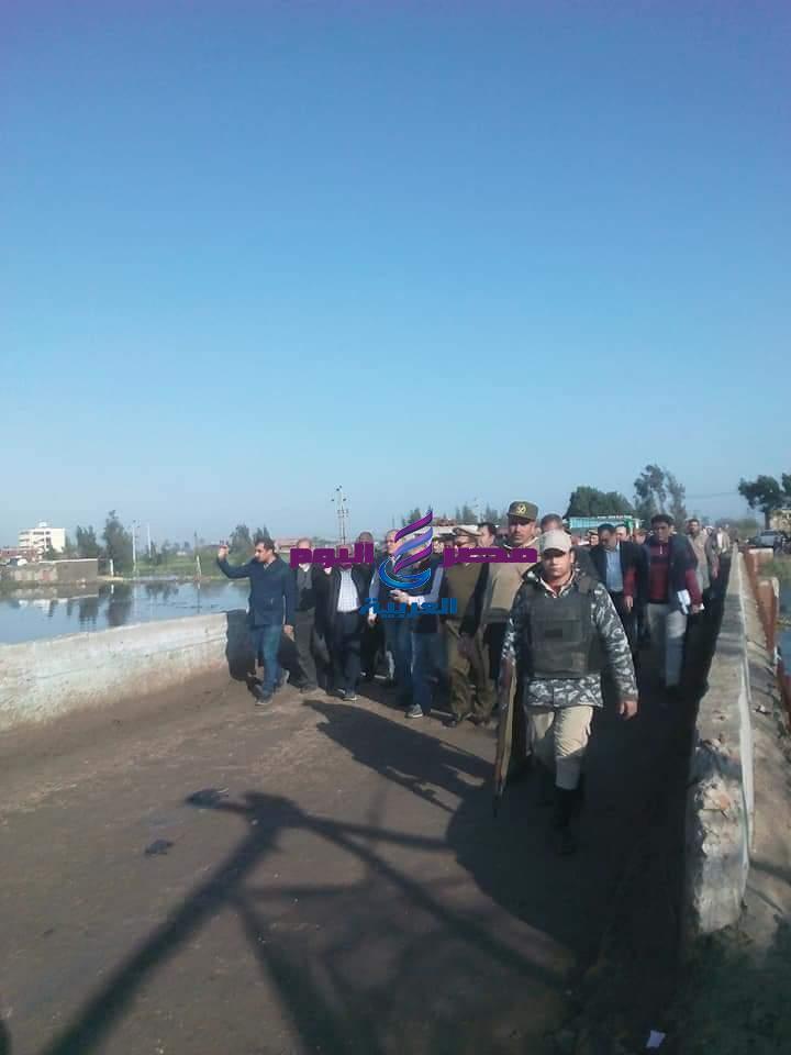 وزير الموارد المائيه يحضر لزيارة الموقع المتصدع من جسر كوبرى بحر البقر بالشرقية | وزير