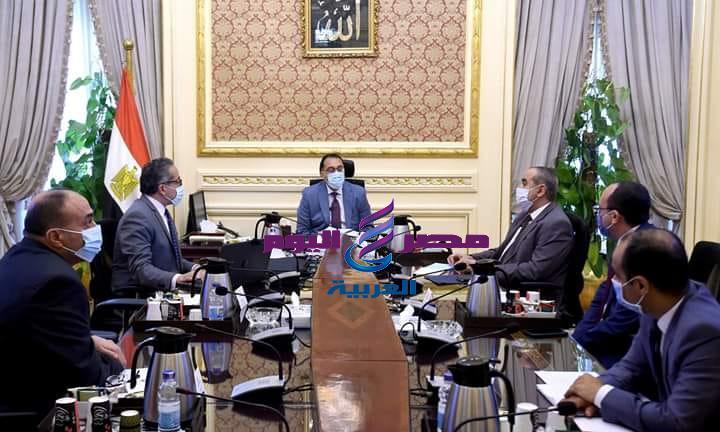 رئيس الوزراء يستعرض مقترحات تعديل بعض مواد القوانين واللوائح الخاصة بالمنطقة الاقتصادية لقناة السويس