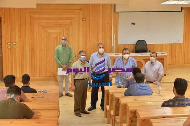 استمرار جولات رئيس جامعة كفر الشيخ لمتابعة الامتحانات والالتزام بتطبيق الاجراءات الاحترازية | جولات