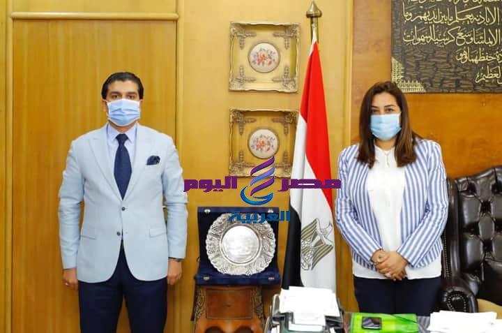 محافظ دمياط د.منال عوض وأحمد سمير يدشنان رياضة الميني فوتبول بمحافظة دمياط | محافظ دمياط