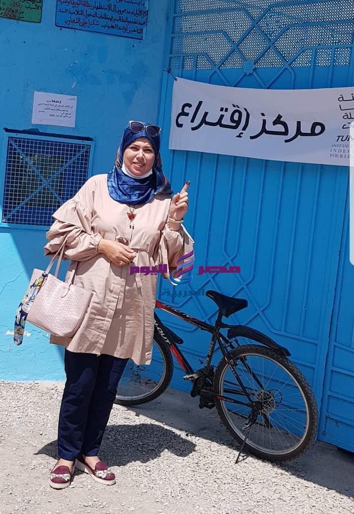 تونس الناخبون يدلون باصواتهم في الانتخابات البلدية الجزئية بمدينة قربة
