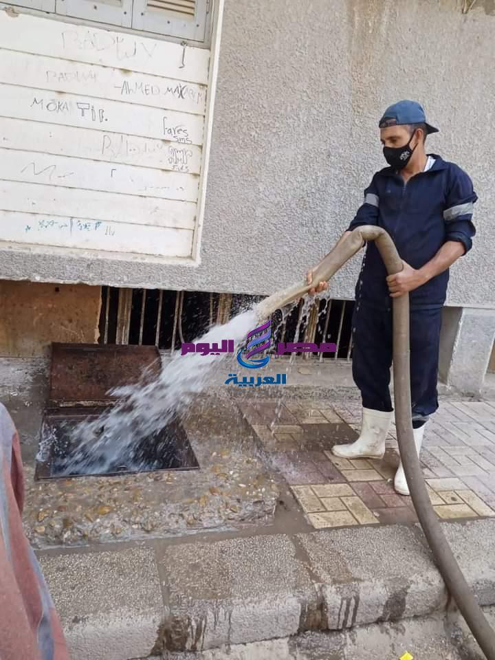 مياه أسيوط غسيل وكلورة وتعقيم شبكات المياه طبقا للخطة الشهرية   أسيوط