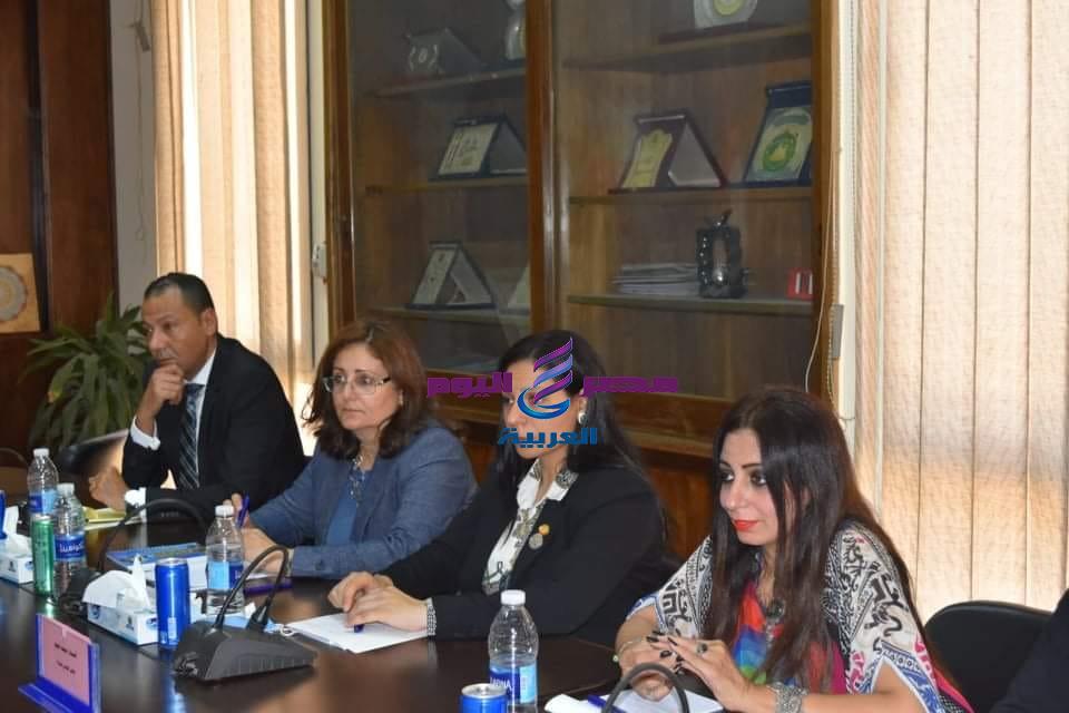 """"""" رانيا يحيي """" عضوة القومي للمرأة تزور مقر أكاديمية الفنون"""