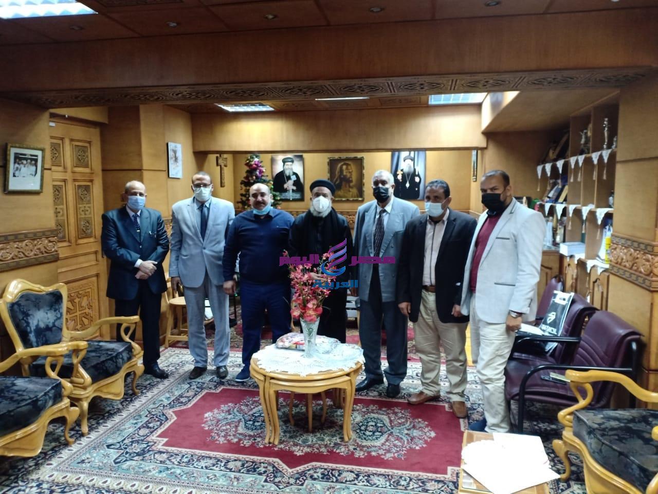 القمص بطرس يستقبل الدكتور جمال الهلفى عميد كلية الدراسات الاسلامية بدسوق