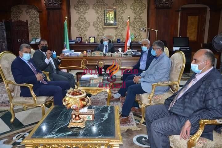 محافظ المنيا يقرر تشكيل لجنة مشتركة مع الشركة المصرية للإتصالات للتوافق في عدد من الملفات | المنيا