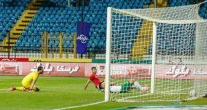 فى مباراة قوية الأهلى يفوز على المصرى بهدفين مقابل هدف.   الأهلى