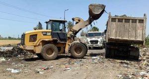 حملة نظافة مكبرة بكفر الدوار:رفع ٤٠٠ طن قمامة بسيدي شحاتة.. ومتابعة إنشاء المحطة الوسيطة لتجميع ونقل القمامة   حملة