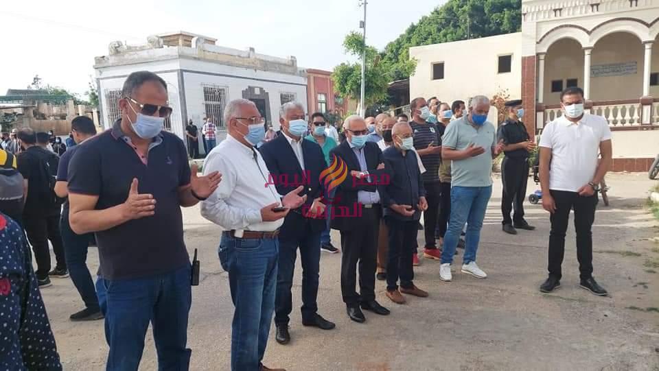 محافظ بورسعيد يشارك في تشييع جثمان الراحل الكابتن مدحت فقوسه | محافظ