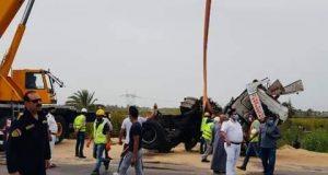 إنقلاب سيارة محملة بمواد بترولية بالطريق الدولى دون خسائر | إنقلاب