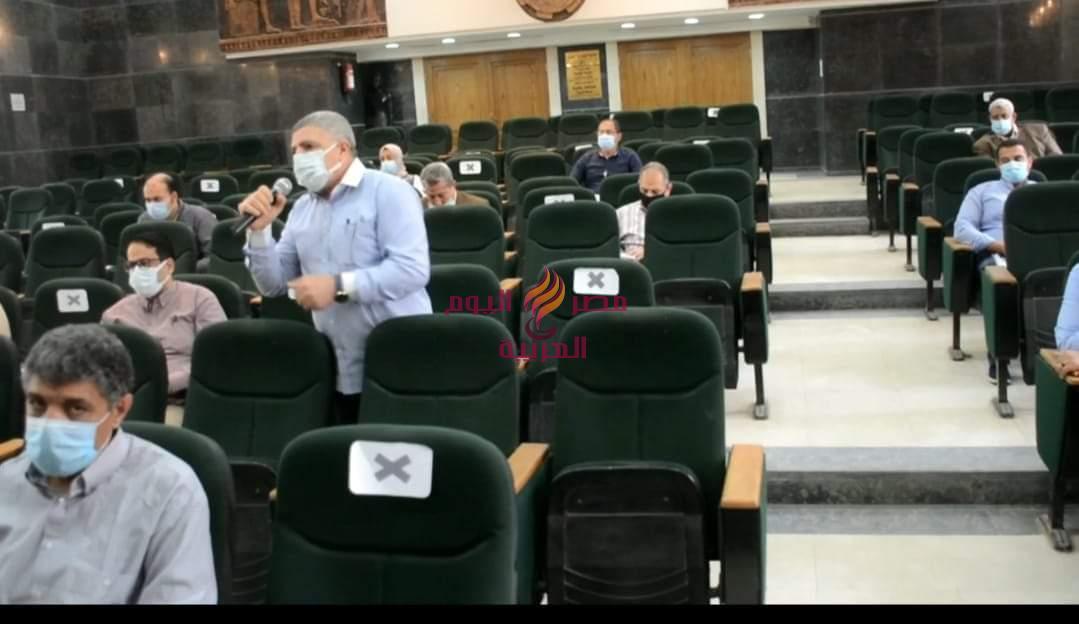 محافظ الغربية يعقد اجتماعين لمتابعة الموقف التنفيذي لحياة كريمة