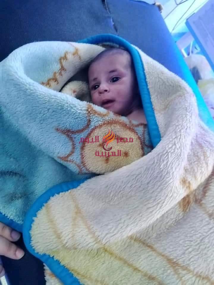العثور علي طفله حديثه الولاده ملقاه بمدخل قريه بالغربية | العثور