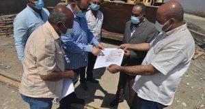 محافظ أسيوط يتفقد الأعمال الجارية بمشروع محور ديروط على النيل . | محافظ