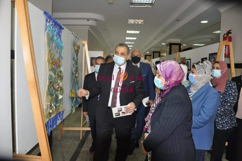 رئيس جامعة كفر الشيخ .. يفتتح 5 معارض فنية | رئيس