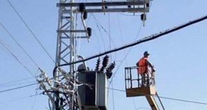 حملة صيانة لإصلاح أعطال الكهرباء بالرحمانية بحيرة