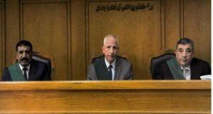 جنايات القاهرة .. تقضى بالحبس سنة لمزور الشهادات الجامعية | بالحبس