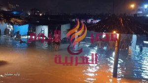 أمواج البحر تغرق خيام المواطنين على شاطئ المنطقة الوسطى في قطاع غزة | أمواج البحر تغرق خيام المواطنين
