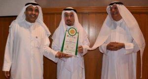 تكريم الدكتور« زهير العباد» رئيس نقابة الصحفيين الكويتيين بجائزة الكويت للإنتاج و الإستهلاك المستدام |