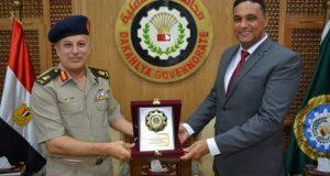 محافظ الدقهلية يلتقي رئيس مجلس إدارة جمعية المحاربين القدماء |