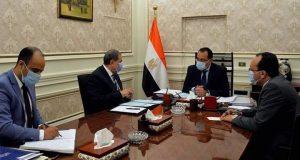 رئيس الوزراء يبحث مع وزير القوى العاملة تطورات ملف عودة العمالة المصرية إلى ليبيا والعراق |