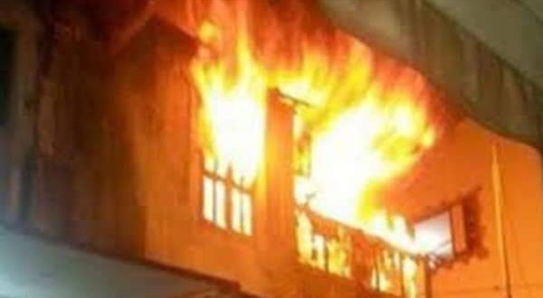 عاجل.. اندلع حريق بمصنع ورق بقرية كفر أبوجمعة التابعة لمركز قليوب |