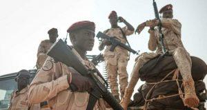 الجيش يسيطر على مقاليد الأمور في السودان رغم انقسام السلطة |