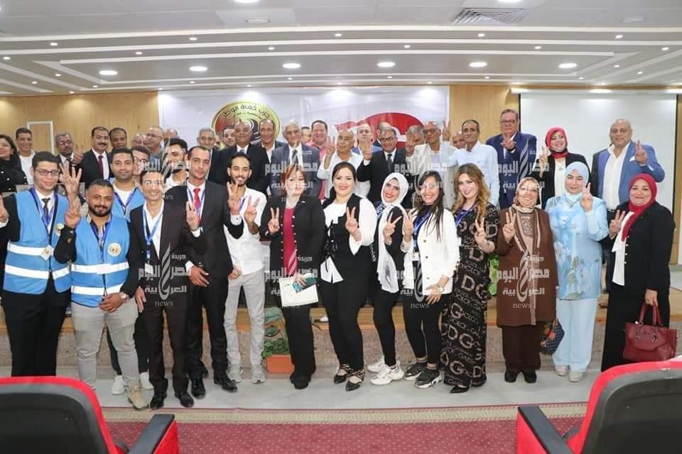 حزب حماة الوطن ببورسعيد يكرم أبطال أكتوبر بندوة بعنوان انتصارات اكتوبر المجيدة العبور . |