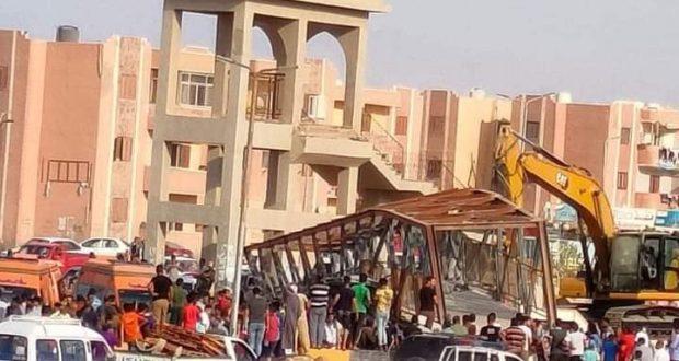 مصرع ثلاث أشخاص بعد تصادم سيارة نقل بكوبري الزهراء جنوب سيناء |
