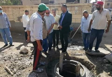 رئيس مدينة دسوق يتفقد مشروع الصرف الصحى بقرية محلة دياى |